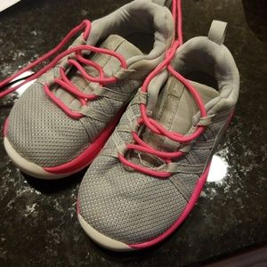 wholesale dealer 696fc 73988 Toddler girl Jordan's low top